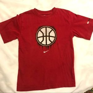 Red Nike Graphic Basketball Tee, size 6